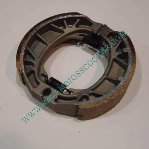 http://www.recambiosscooter.com/653-thickbox/zapata-freno-tambor-110x-25-mm-.jpg