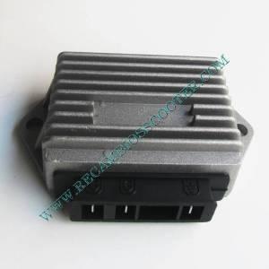 https://www.recambiosscooter.com/726-thickbox/regulador-tension-de-tres-pines-scooter-piaggio.jpg