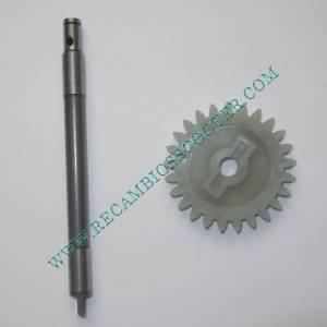 https://www.recambiosscooter.com/794-thickbox/eje-con-pinon-engranaje-bomba-de-agua-yamaha-majesty-250.jpg